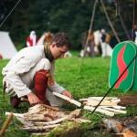 Jan von Tuhl beim Holzhacken